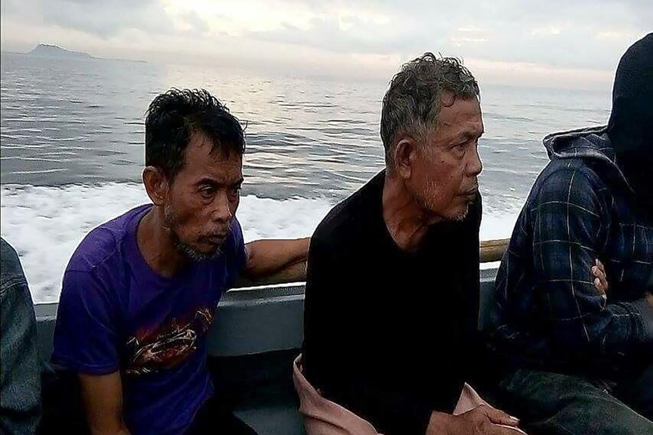 2 Malaysians rescued from Abu Sayyaf: military