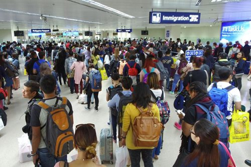2 Chinese, 1 Indian hinarang sa NAIA dahil umano sa pekeng travel documents