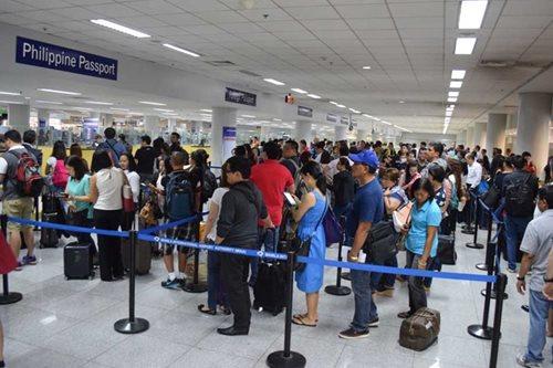 Ilang Immigration officers, 'di makapasok dahil wala nang pamasahe