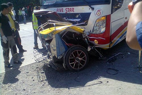 1 patay sa salpukan ng tricycle at bus sa Pangasinan