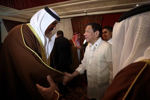 Palace sees 26,000 new jobs from Duterte's Mideast trip