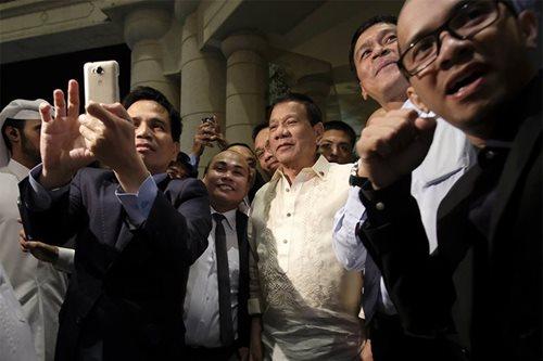 Qatar Emir shoulders hotel bill of Duterte delegation, PH media