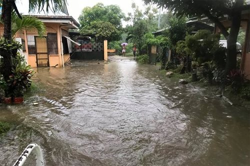 At least 8 dead in Cebu floods