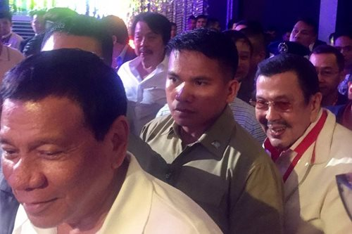 Duterte jokes at Erap: Ibalik kita sa kulungan