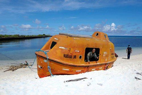 Lorenzana visits Pagasa Island