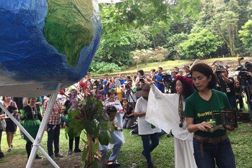 Gina Lopez leads Earth Day celebration at La Mesa Eco Park