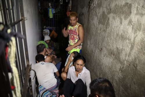 LOOK: 'Secret jail cell' in Manila police station reveals detainees