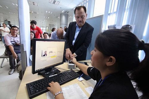 Comelec eyes new voter's ID