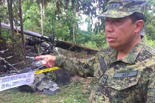 LOOK: Air Force officials arrive at chopper crash site in Rizal