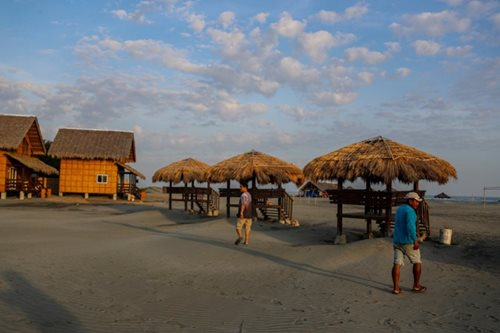 Summer 2017: Beach beckons in laid-back Lingayen