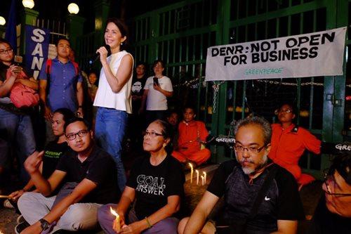 Gina Lopez meets environmental activists
