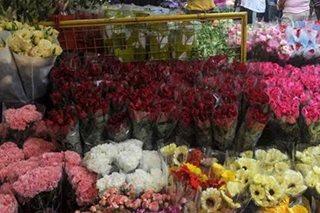 ALAMIN: Presyo ng mga bulaklak sa Dangwa ngayong Mothers' Day