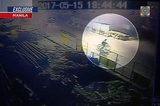 Sapul sa CCTV: Nagbibisikleta, nabangga ng van