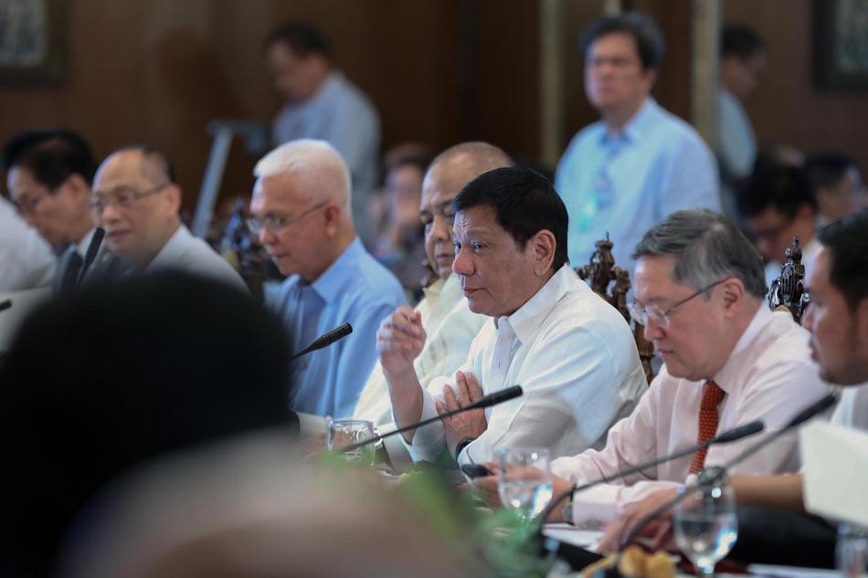 Duterte reorganizes Cabinet clusters 1