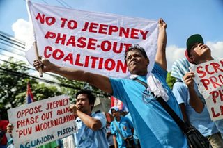 Jeepney drivers protest plan to phase out old PUJs anew