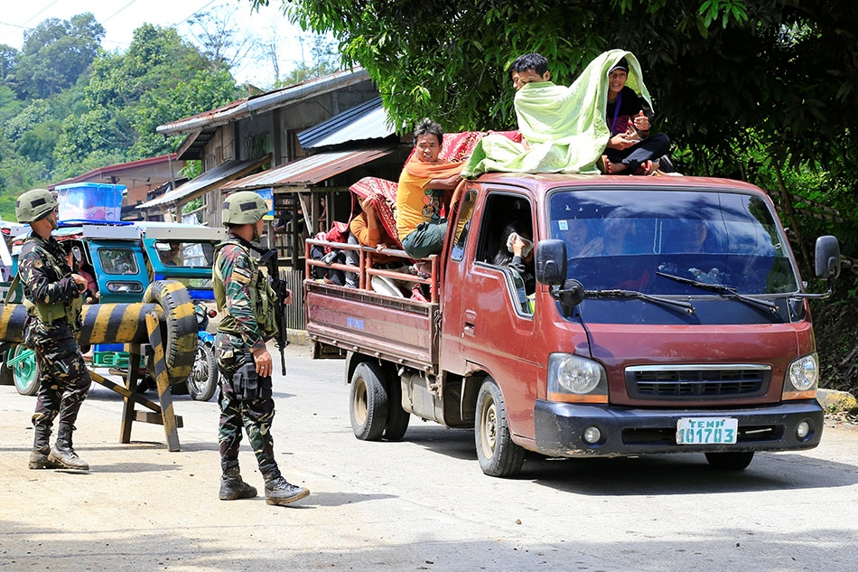 Philippines: Duterte declares martial law in Mindanao amid clashes