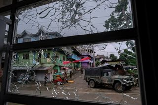 Marawi attackers beheading hostages, says military
