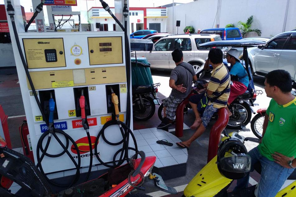 10-peso per liter fuel triggers traffic