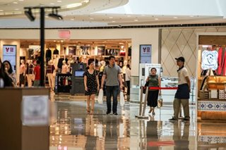 Why mall-loving Filipinos don't buy much online
