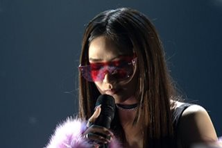 WATCH: Sarah G overcomes stage slip like a pro