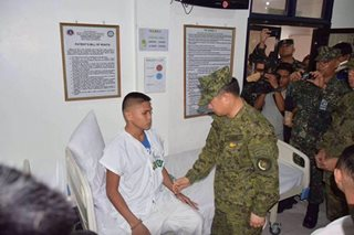 AFP chief awards medals to wounded soldiers in Zamboanga City