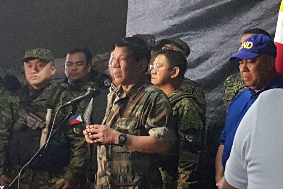Duterte visits war-torn Marawi for 3rd time