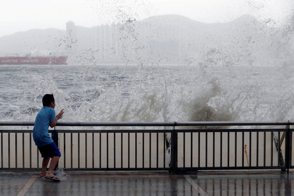 Typhoon Hato kills 16 in southern China, Macau