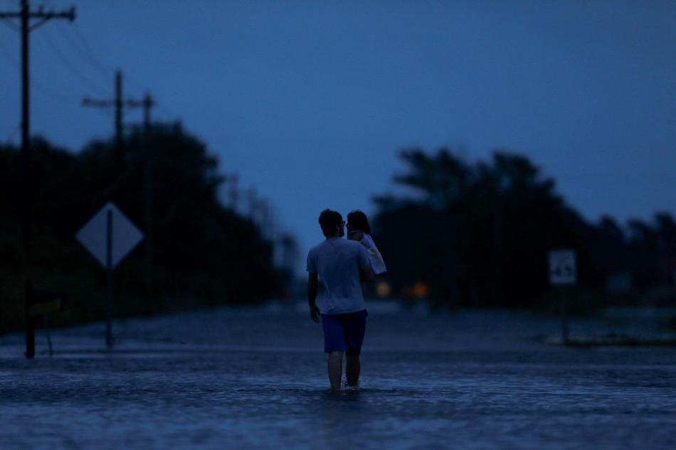 Harvey floods hit Louisiana