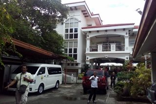 NBI inspects Iloilo City mayor Mabilog's house