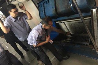 Upuan sa tren ng MRT, nasunog; mga pasahero, pinababa