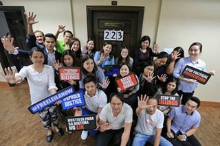 LOOK: Senate employees show support for De Lima