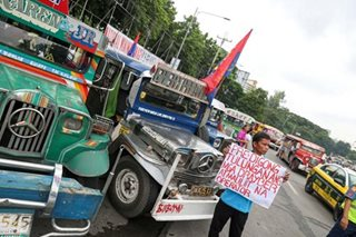 Palace: Gov't open to dialogue on jeepney modernization program