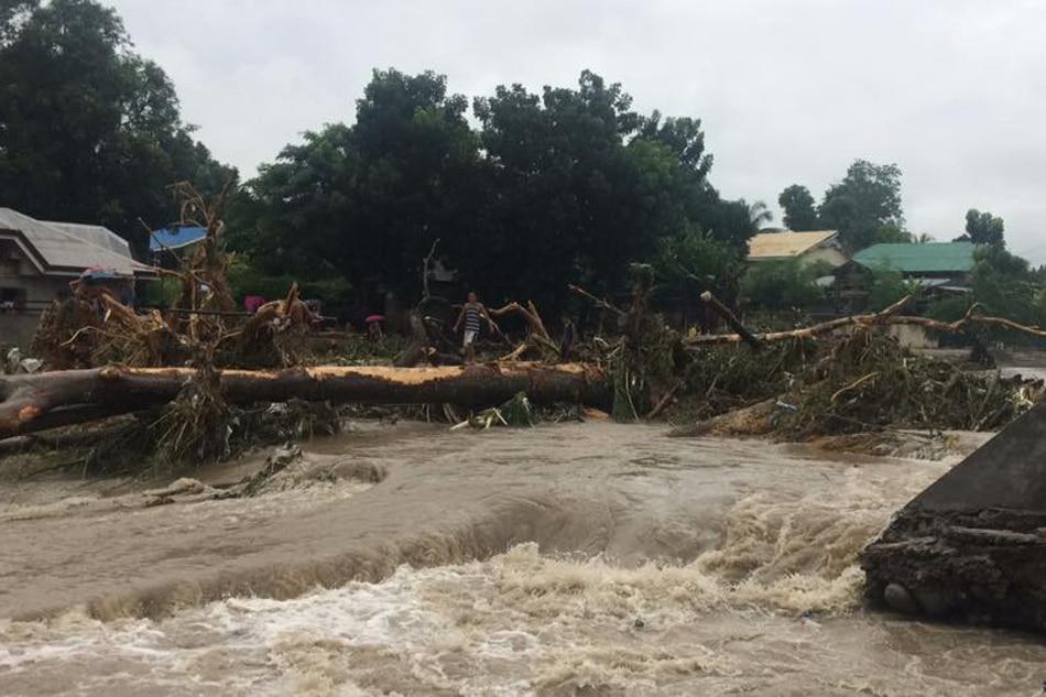 Malakas na ulan, baha, landslide, nagbabadya sa ilang bahagi ng Visayas at Mindanao 1