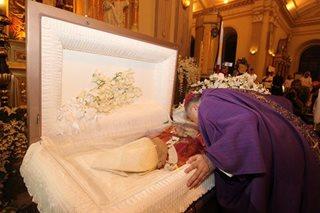 LOOK: CBCP president bids Cardinal Vidal goodbye