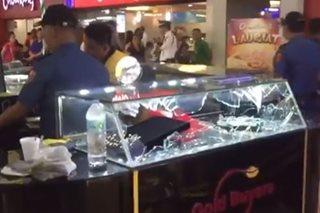 Alahasan sa mall, inatake ng mga armadong lalaki
