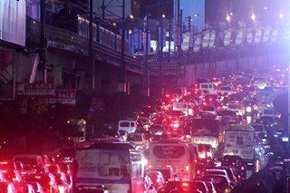 Payday Friday, Undas nagpabigat ng trapiko sa Maynila