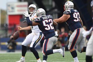 Pats pounce on Chargers mistakes, Eagles win again
