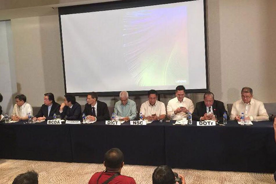 Gov't partners with Facebook for high speed broadband