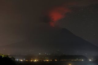 Indonesia raises alert to highest level 4 on Bali volcano