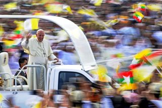 Pope Francis celebrates mass in Myanmar