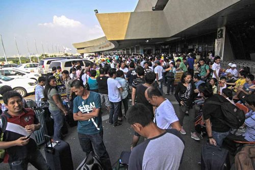 NAIA manager to airlines: Be bold, face passengers amid flight delays