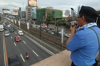 Mga tinted na sasakyan, di nasisita sa 'high occupancy lane'?