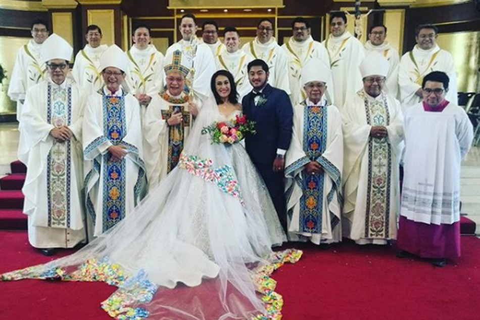 Look Ai Ai Delas Alas Ties The Knot In Star Studded Wedding Abs