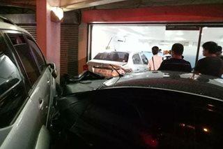 SUV inararo ang parking lot ng fast food chain sa Bacolod, 2 sugatan