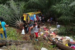 Jeep nahulog sa bangin sa N. Cotabato; 4 patay, 32 sugatan