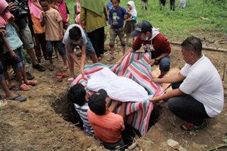 Burying Vinta's victims
