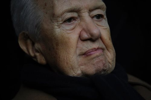 Portugal's democracy founder Mario Soares dies aged 92