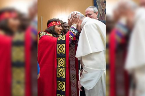Pope appears to back native tribes in Dakota Pipeline conflict