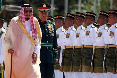 Malaysia rolls out red carpet as Saudi king kicks off Asia tour