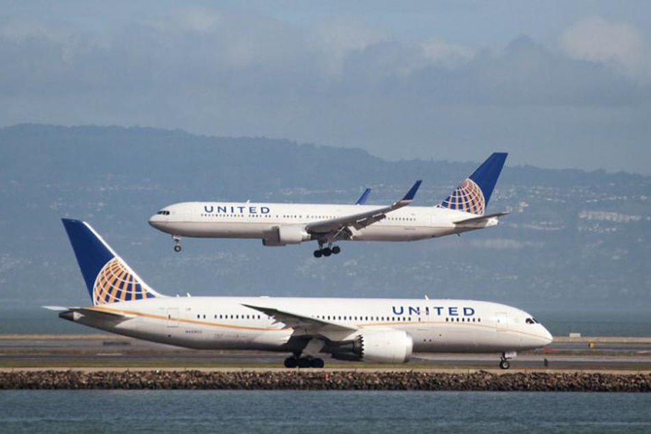 United Airlines' Boeing 787 makes emergency landing in Sydney